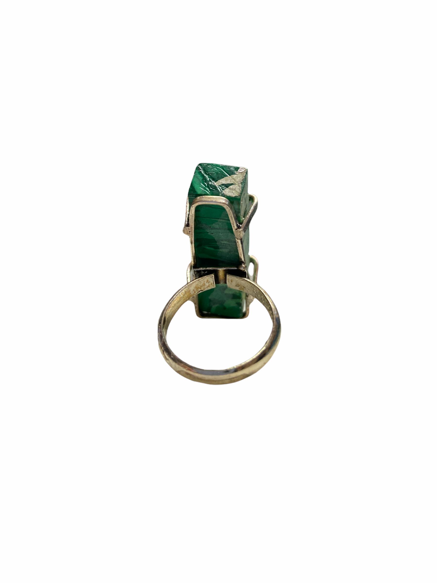 Δαχτυλίδι Χειροποίητο Ακατέργαστο Με Πράσινο Μαλαχίτη Ασημί